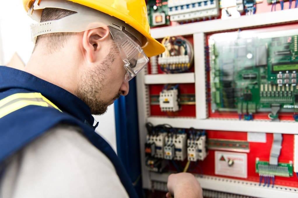Электромонтажные работы в Брянске